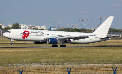 Takim samolotem przyleciała do nas słynna grupa piosenkarzy - The Rolling Stones