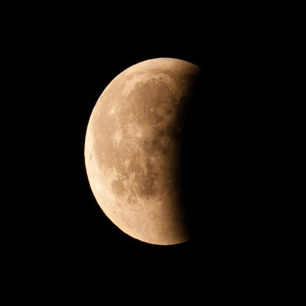 Zacmienie Ksiezyca 27.07.2018 za niedlugo swiecil nadzwyczajnie jasno swoja püelnia... #Zacmienie #Ksiezyca 27 07 2018 #niebo #galaktyka #zjawiska #astronomia #astronautyka