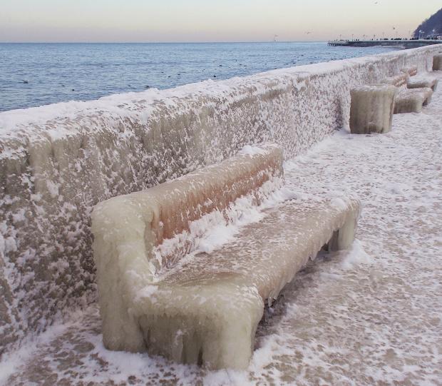 Mrożące krew w żyłach.... ;) Gdyński bulwar skuty lodem dwa lata temu
