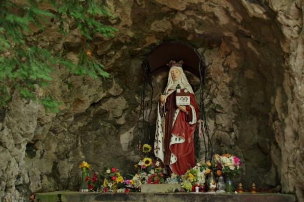 Pieniny - figura św. Kingi przy Górze Zamkowej