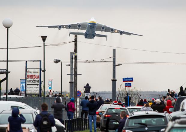 Do zobaczenia :) Odlot największego samolotu transportowego Świata z Warszawy.