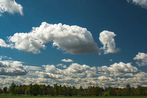 chmury nad nami