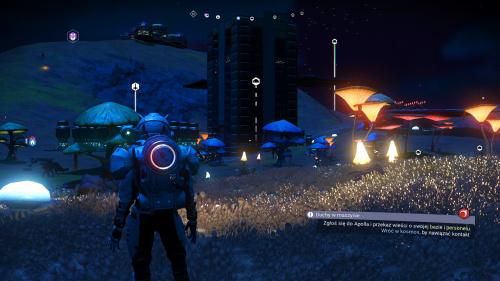 Główna baza na planecie w nocy