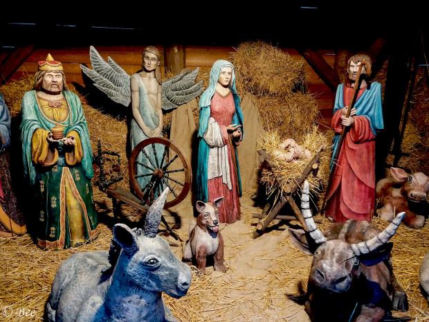 Wiary, co góry przenosi, nadziei, która nie gaśnie, miłości w każdej ilości od Bożej Dzieciny...