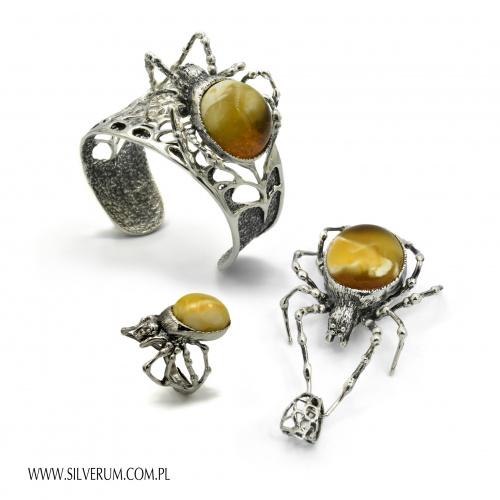 Komplet z pająkiem - www.silverum.com.pl #biżuteria, #komplet, #pająki, #handmade, #rękodzieło, #srebro, #bursztyn