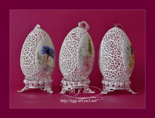 Ażurowe pisanki - gęsie jajka i suszone kwiaty Openwork Easter eggs - goose eggs and dried flowers - autor - Bogusława Justyna Goleń - Poland